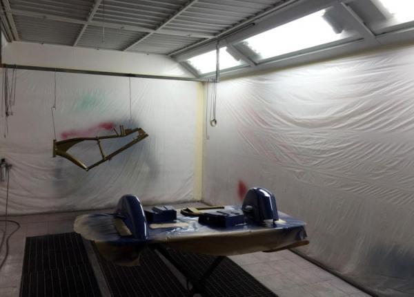 Cabine de peinture dans notre atelier