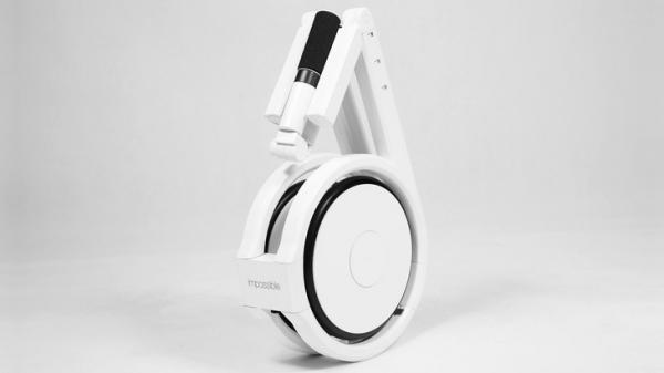 Le vélo Impossible, un deux-roues électrique qui rentre dans un sac à dos