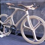Vélos électriques en bois